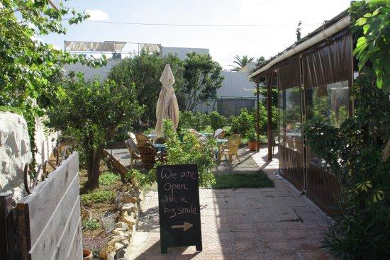 Daratsos, Grecia: nice garden