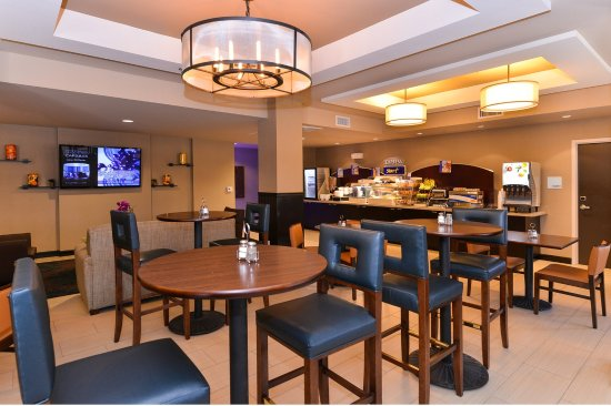 Holiday Inn Express & Suites Indio: Breakfast Area
