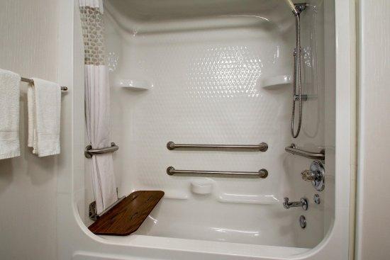 Rolla, MO: Accessible Tub
