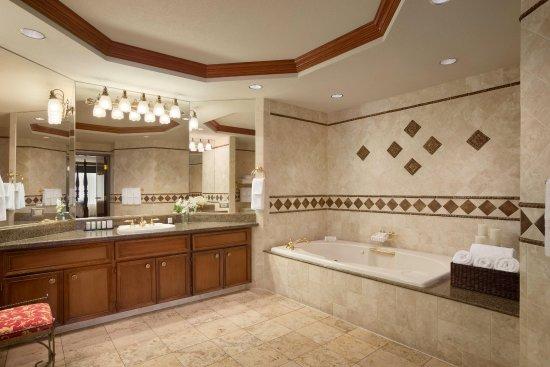 ชาร์ลสตัน, เวสต์เวอร์จิเนีย: Presidential Suite Bathroom