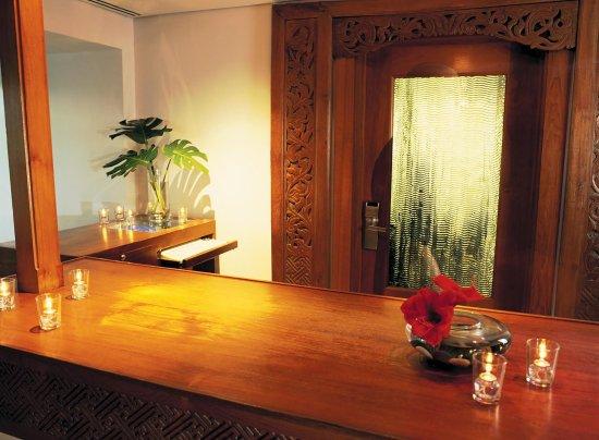Lotus Honolulu at Diamond Head: Lotus Honolulu Welcome Desk