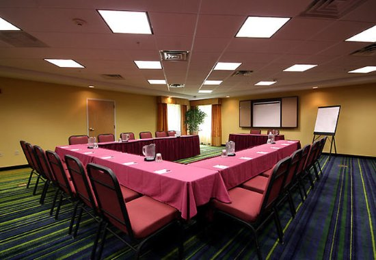 Fairfield Inn & Suites White River Junction: Vermont Meeting Room
