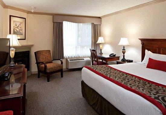 Delta Banff Royal Canadian Lodge: King Guest Room