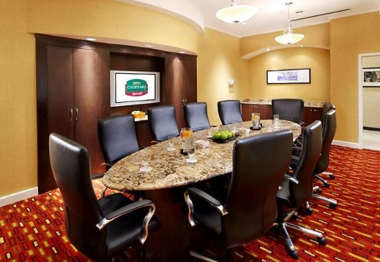 Homestead, PA: Executive Boardroom