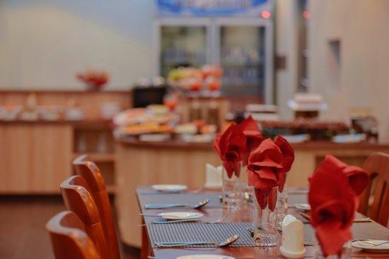 Thulusdhoo Island: Aveli Restaurant