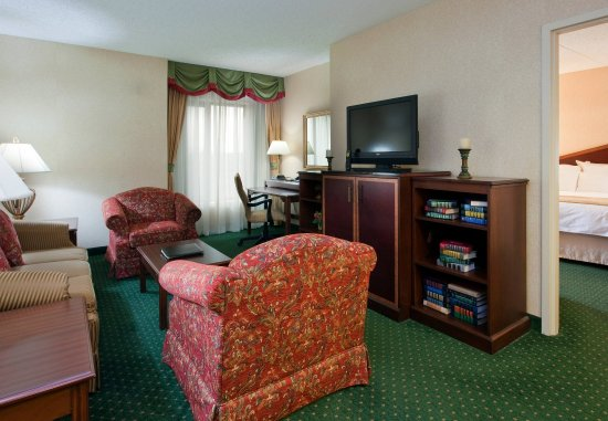 วอร์เรนส์วิลล์ไฮทส์, โอไฮโอ: One-Bedroom Suite – Living Area