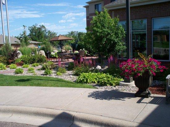 Maple Grove, MN: Restaurant Patio