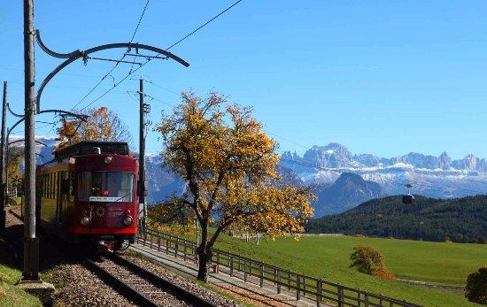 Collalbo, Italia: Die Rittner Bahn im Herbst