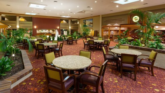 Holiday Inn Cincinnati Airport: Atrium Lobby