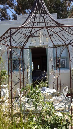 Riebeek Kasteel, Южная Африка: Gazebo outside Jardin de Luxe