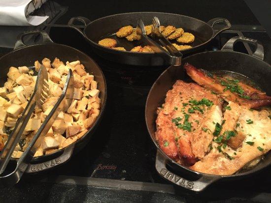 british airways newark ba lounge dried up food offering