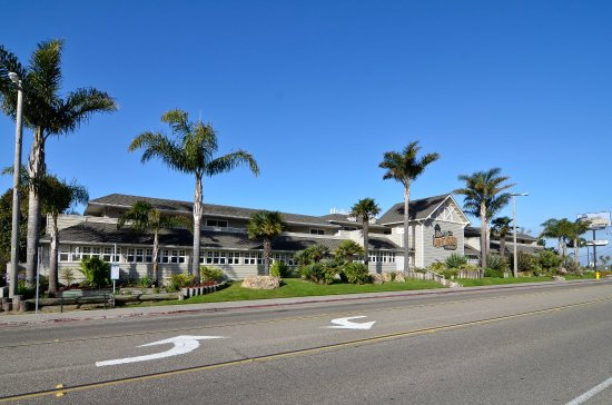 Pismo Lighthouse Suites: Hotel Front