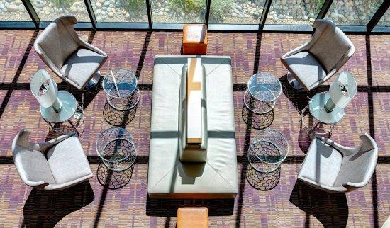 Milpitas, كاليفورنيا: Lobby Lounge