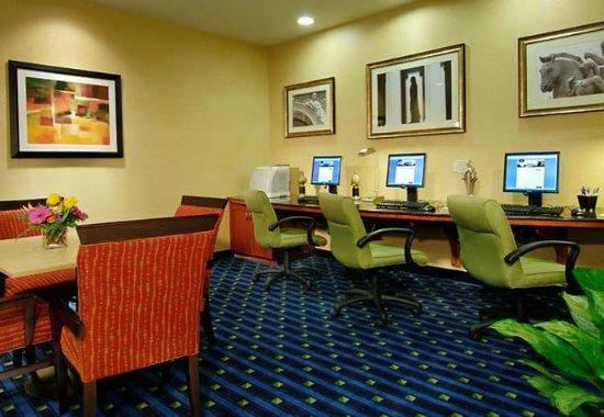 Sterling, فيرجينيا: Business Center