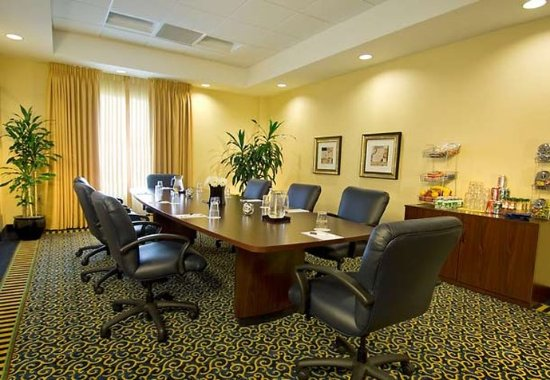 SpringHill Suites Dulles Airport: Boardroom