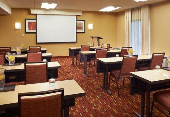 Oakbrook Terrace, IL: Meeting Room