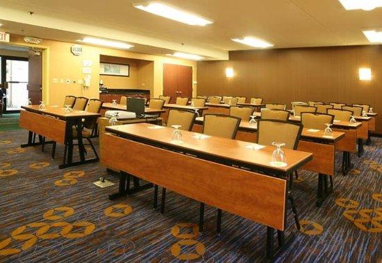 Wood Dale, IL: Meeting Room- Classroom Setup