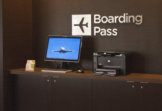 Landover, MD: Boarding Pass Station