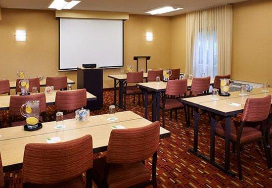 Dublin, OH : Meeting Room - Classroom Setup