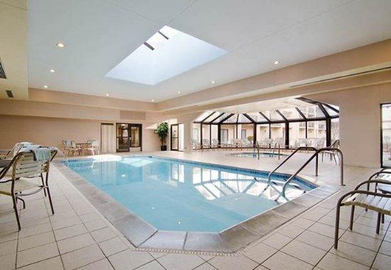 Eden Prairie, MN : Indoor Pool & Hot Tub