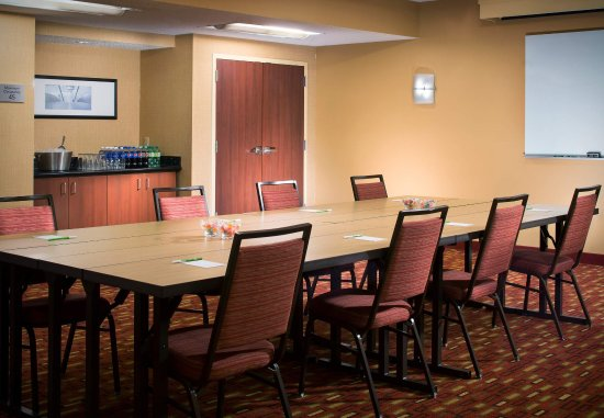 Courtyard Melbourne West: Meeting Room - Conference Setup