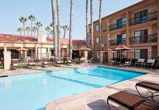 Fountain Valley, Kaliforniya: Outdoor Pool