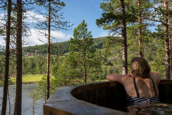 Geilo, Norvège : View from hot tub at unique campground.