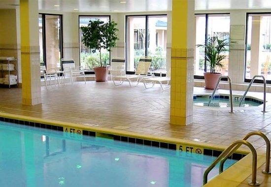 Springfield, Вирджиния: Indoor Pool & Whirlpool