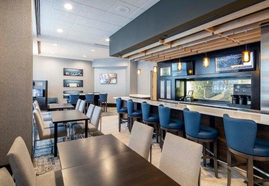 Brookline, MA: The Bistro Bar