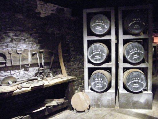 Midleton, Irlanda: attrezzi e botti