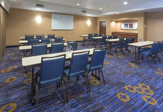 Prattville, AL: Meeting Room