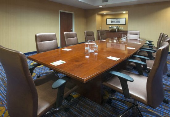 Prattville, AL: Boardroom