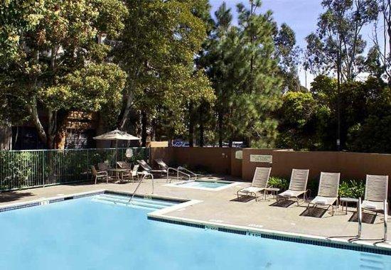 ริชมอนด์, แคลิฟอร์เนีย: Outdoor Pool & Whirlpool
