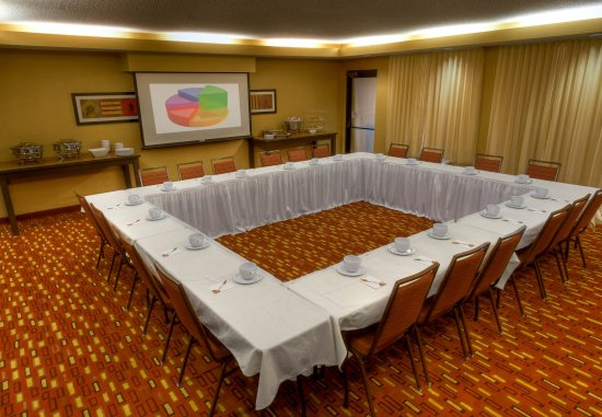 Normal, IL: Meeting Room