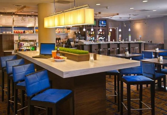 Annapolis Junction, MD: Communal Table