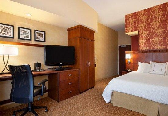 Junction City, KS: King Guest Room