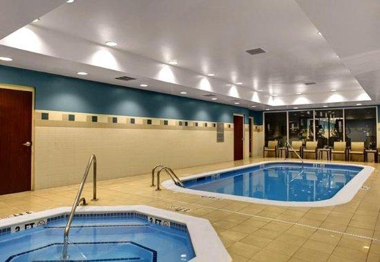 Chapel Hill, NC: Indoor Pool & Whirlpool