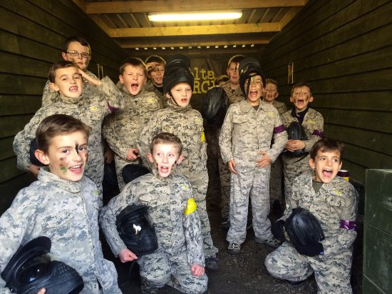 Eccles, UK: Paintball is great for kids parties