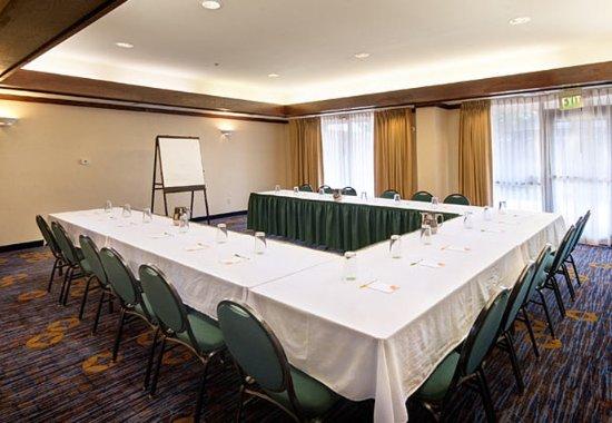 Kokomo, Индиана: Small Meetings
