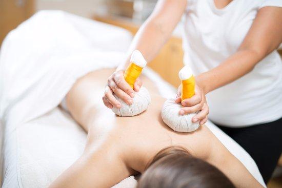 Ortners Eschenhof Krauter Stempel Massage