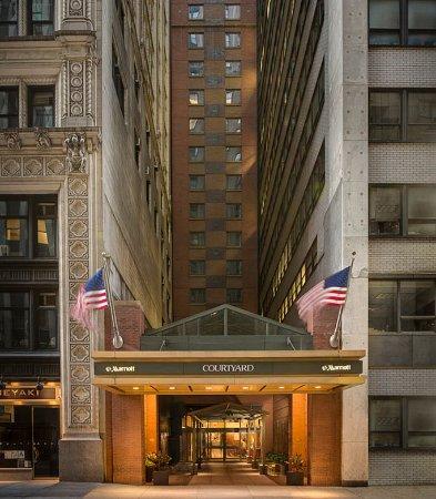 Courtyard New York Manhattan/Times Square: Exterior