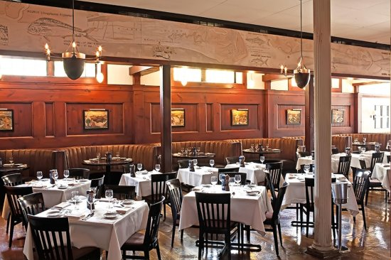 DoubleTree by Hilton Hotel and Suites Charleston - Historic District : Hank's Seafood