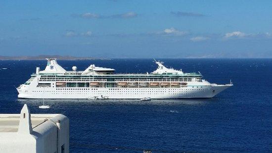 Aegean Hotel: Von der Poolanlage aus gesehen.......