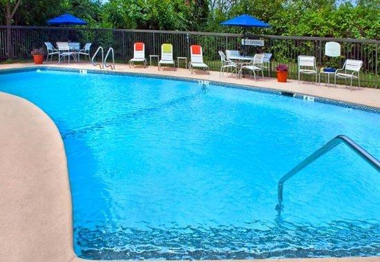East Greenbush, Nova York: Outdoor Pool