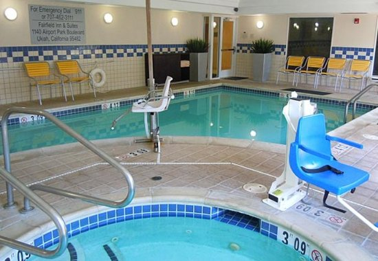 Ukiah, Californien: Indoor Pool & Whirlpool