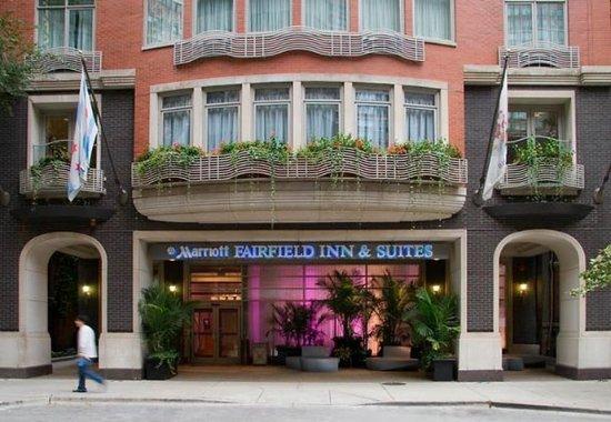 Fairfield Inn & Suites Chicago Downtown/Magnificent Mile: Entrance