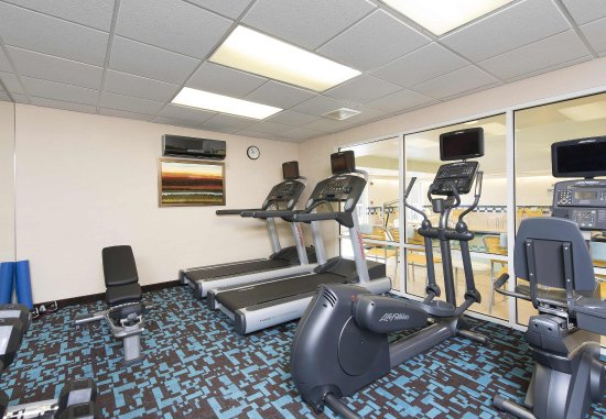Saint Charles, IL: Fitness Center