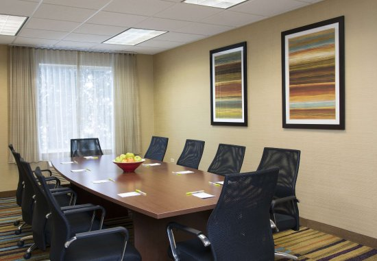 Saint Charles, IL: Meeting Room