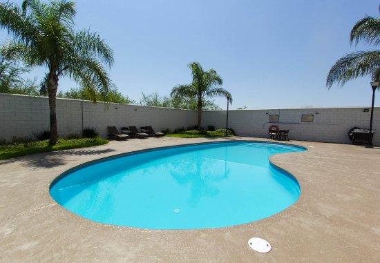 Apodaca, Μεξικό: Outdoor Pool & Patio