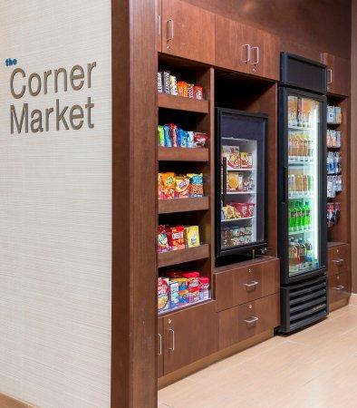 Lee's Summit, MO : The Corner Market